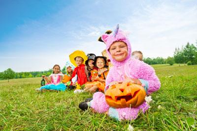 kids on halloween costumes