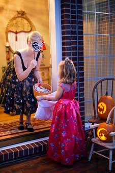 mother and daughter halloween